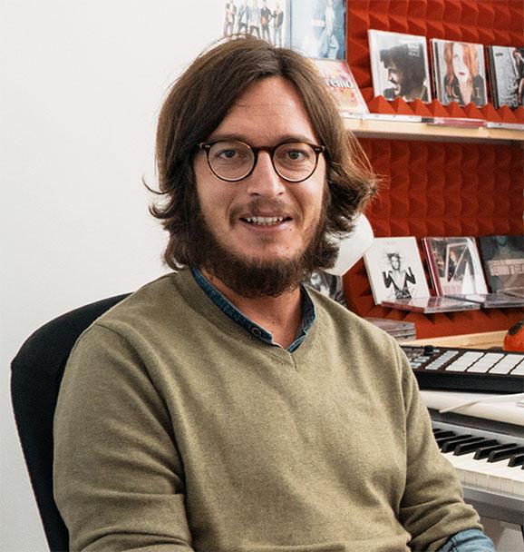 NIcco Verrineti - Pop Writing Academy - Docente - Autore e Arrangiatore